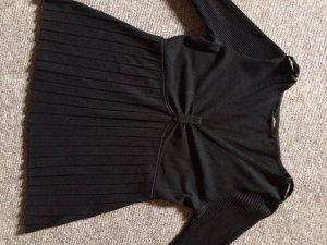 Schwarzer Pullover mit 3/4 Arm