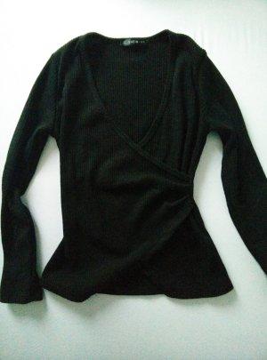 schwarzer Pullover mit V Ausschnitt