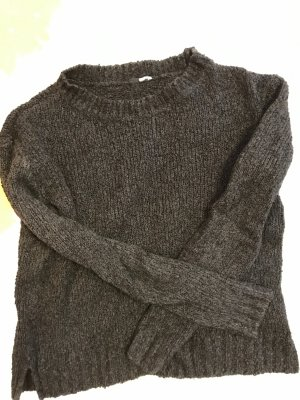 Schwarzer Pullover Reserved
