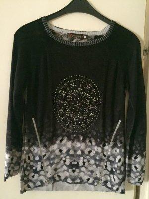 Schwarzer Pullover von Desigual