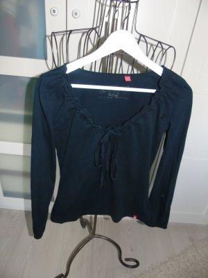 schwarzer Pullover von Esprit, Gr. S mit raffiniertem Ausschnitt