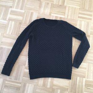 Schwarzer Pullover von Hallhuber