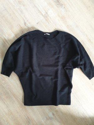 Schwarzer Pullover von Orsay