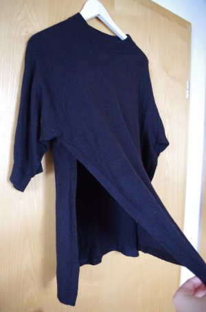 schwarzer Pullover von s.Oliver mit seitlichen Schlitzen