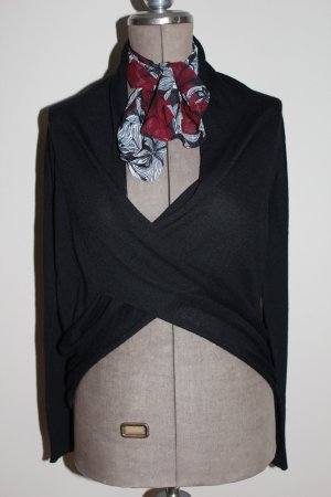 Pull en laine noir tissu mixte