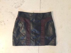 Schwarzer Rock aus Lederimitat von H&M