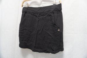 schwarzer Rock Mango, klassisch, stylish, neuwertig, kleiner Schwarzer