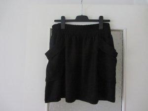 Schwarzer Rock von H&M mit Seitentaschen