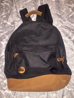 Schwarzer Rucksack von mi pac