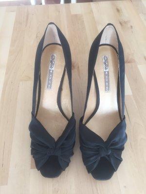 Schwarzer Satin-Schuh von Buffalo