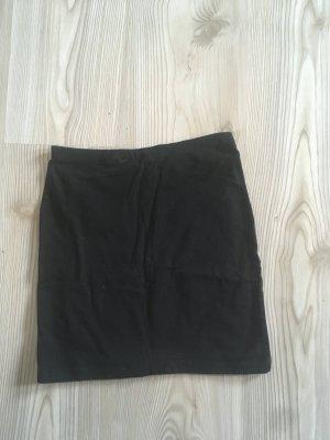 schwarzer Schlauchrock