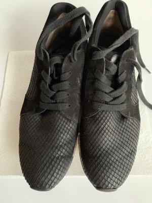 Schwarzer Schnür-Sneaker von Paul Green, Größe 39