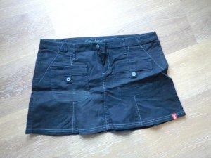 Schwarzer Sommerminirock