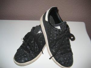 Schwarzer Stan Smith Sneaker von Adidas Reptil