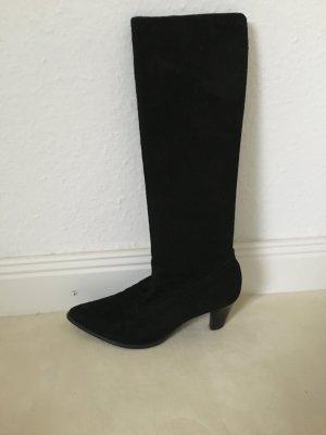 Schwarzer Stiefel aus Wildleder von Peter Kaiser