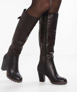 Schwarzer Stiefel, Lederimitat, ungetragen, mit Absatz