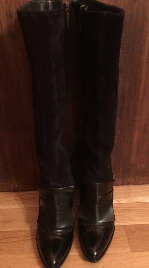 Schwarzer Stiefel von Navyboot