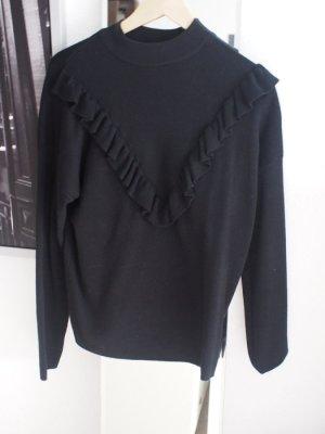 Schwarzer Strickpullover mit Volant von New Look