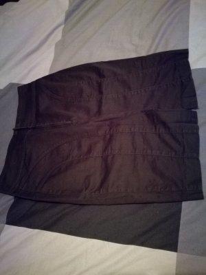 schwarzer Tailienrock