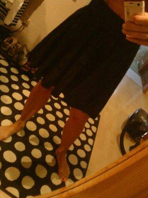 schwarzer Tellerrock in Größe 42