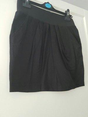 schwarzer Tulpenrock mit Taschen