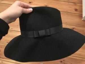 Schwarzer ungetragener Hut