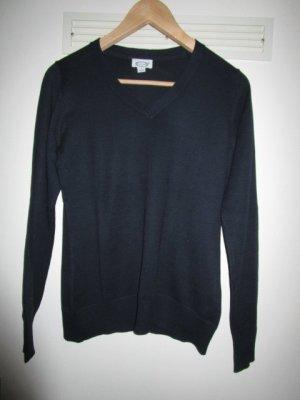 schwarzer V-Pullover Gr. S 36/38