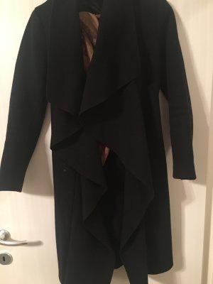 Schwarzer Wasserfall Mantel von Zara