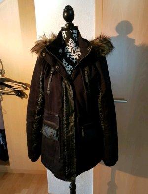 Schwarzer Winter Parka mit Fellkapuze und Lederapplikationen Jacke