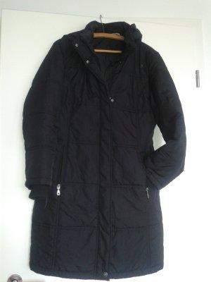 Schwarzer Wintermantel mit zwei Jackentaschen und abnehmbare Kaputze