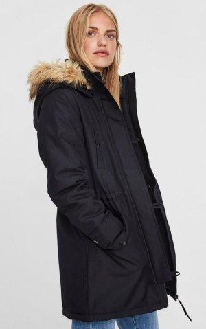 Schwarzer Wintermantel von Vero Moda