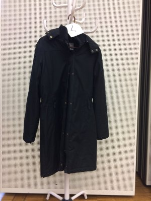 schwarzer Wintermantel zu verkaufen