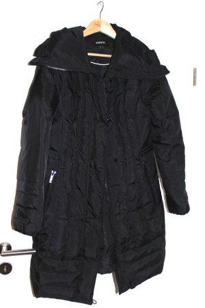 schwarzer Winterparka von MEXX