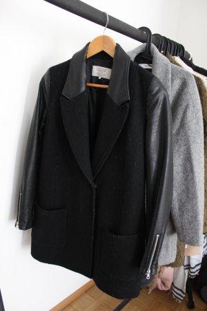 Schwarzer Zara Mantel mit Lederdetails