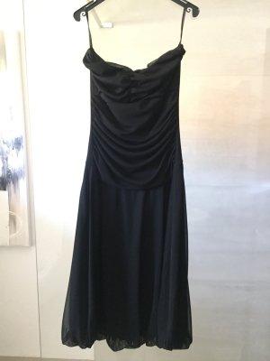 Laura Scott vestido de globo negro
