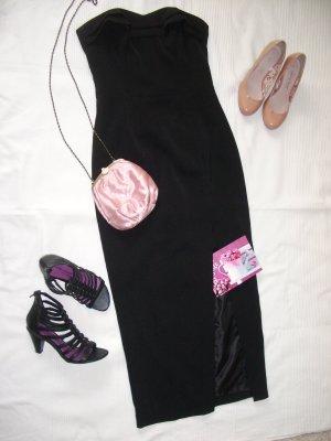 schwarzes Abendkleid mit langem Schlitz