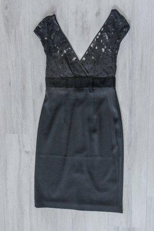 Schwarzes Abendkleid mit Spitze von Banana Rebublic