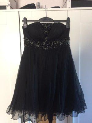 Schwarzes Abendkleid mit Tüll und Stickereien