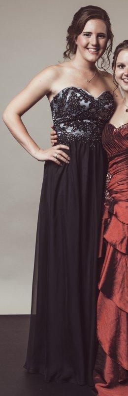 Schwarzes Abendkleid von Luxuar Limited
