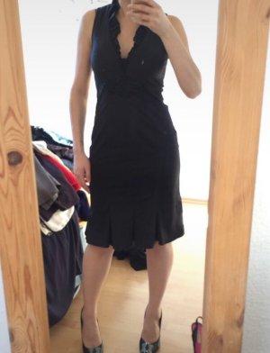 Schwarzes Abendkleid von Marc Cain