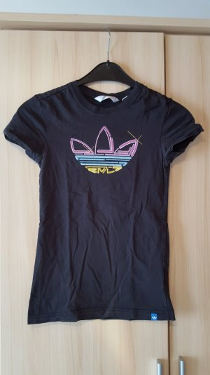 Schwarzes Adidas T-Shirt