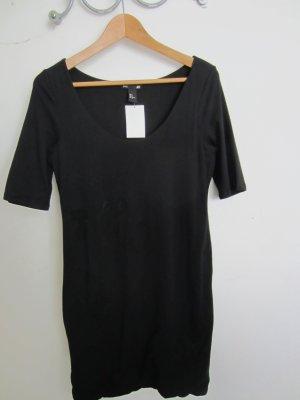 schwarzes anliegendes basic Kleid