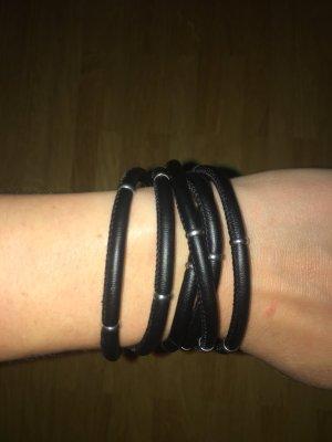 Schwarzes Armband #leder #lederarmband #black