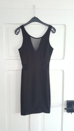 Schwarzes Ausgehkleid mit transparenten Einsätzen von Pull&Bear