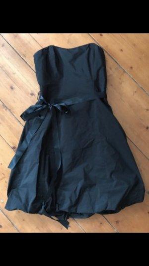 Schwarzes Ballonkleid in Größe 34