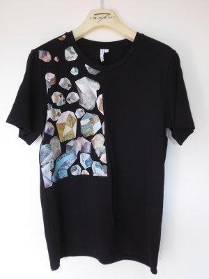 Schwarzes Baumwoll-T-Shirt mit moderner Applikation