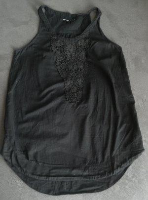 schwarzes Baumwolltop von Vero Moda mit Häkeldetail am Ausschnitt