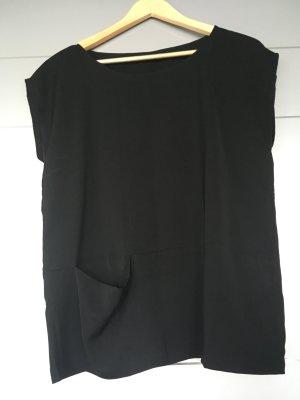 Schwarzes Blusenoberteil mit vorderer Tasche Gr. 38