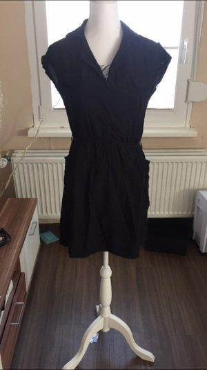 Schwarzes Cargo Kleid