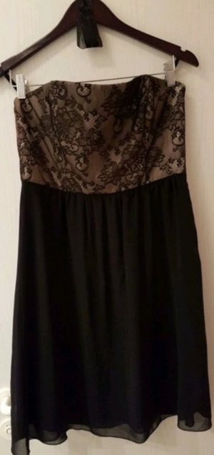 Schwarzes Cocktail-Kleid mit Spitze von ZERO (38)